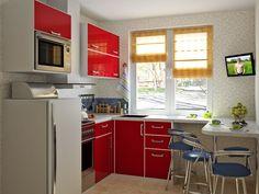 Яркие акценты на маленькой кухне