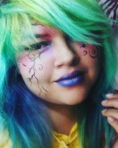 Maquillaje de colores, espinas #makeupraimbow #makeup #purplelips