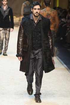 #DolceGabbana  #fashion  #Koshchenets      Dolce & Gabbana Fall 2016 Menswear Collection Photos - Vogue