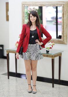 """Lia Camargo - Look """"Blazer vermelho"""""""