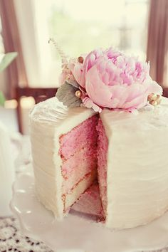 pink ombre cake A pink cake? That´s my cake! Pretty Cakes, Beautiful Cakes, Amazing Cakes, Simply Beautiful, Beautiful Flowers, Cupcake Torte, Pink Ombre Cake, Love Cake, Let Them Eat Cake