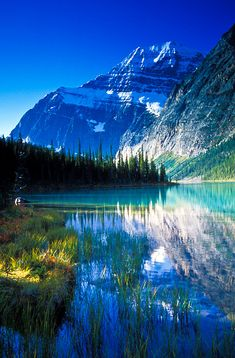 Cavell Lake and Mount Edith Cavell on a beautiful fall morning. Jasper National Park, Alberta, Canada