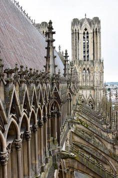 visite des tours de la cathédrale notre dame de reims Baroque Architecture, Champagne, Blog Voyage, Day Trips, Art History, Barcelona Cathedral, Places To Go, Reims Cathedral, Prayer Images