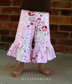 simple ruffled leg yoga pants tutorial. i think harper needs several pairs! great use for thrifted t-shirts!