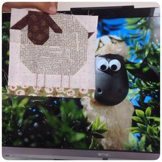 Sauer er ålreite dyr . Woolly sheep block with my favourite sheep Shaun. I highly recommend this TV show to everybody with a humourus mind #shaunthesheep #farmgirlvintage #farmgirlfridays #woollysheepblock