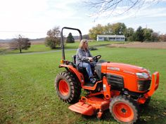Kubota tractor...need one of these Garden Tractor Pulling, Toys For Boys, Boy Toys, Types Of Lawn, Kubota Tractors, Tractor Mower, Old Tractors, Heart For Kids, Lawn Care