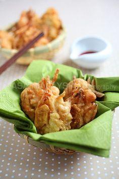 Shrimp Fritters Recipe | Easy Asian Recipes http://rasamalaysia.com