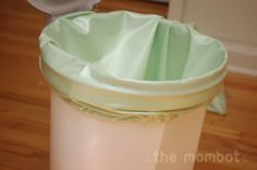 diaper pail liner How to sew a waterproof diaper pail liner. Toss in the wash along with the cloth diapers.How to sew a waterproof diaper pail liner. Toss in the wash along with the cloth diapers. Diy Diapers, Used Cloth Diapers, Cloth Nappies, Cloth Diaper Pail, Diaper Genie, Baby Sewing Projects, Wet Bag, Homemade Baby, Oktoberfest