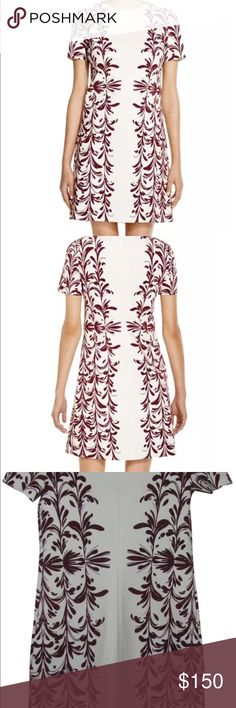 🌺 Tory Burch brushstroke dress Bloomingdales sz L Bloomingdale's exclusive from Tory Burch. Gorgeous brushstroke print, ivory and maroon/red. Worn one time to see The Lion King, dry cleaned, has been just hanging in my closet. Such a beautiful dress, suits all seasons. Tory Burch Dresses