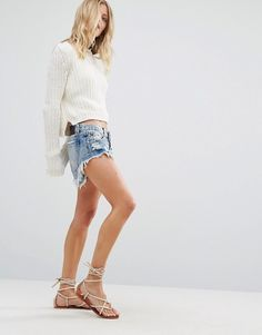 Discover women's shorts with ASOS. Shop for jersey shorts, denim shorts, leather shorts & other women's short styles. Ripped Jean Shorts, Blue Jean Shorts, Leather Shorts, Linen Shorts, Low Rise Shorts, Short Styles, Denim Outfit, Latest Trends, Mini Skirts