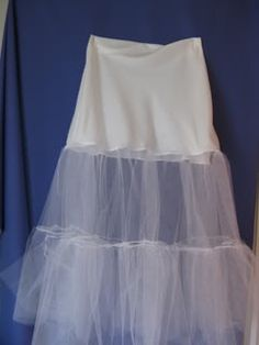 Tutorial: Slip or Crinoline for Under a Wedding Dress    I might have to make one of these bad boys if I find a cute dress that can take some extra poof!