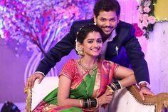 Indian Wedding Poses, Indian Wedding Couple Photography, Wedding Picture Poses, Couple Photography Poses, Wedding Photography Inspiration, Indian Bridal, Photography Ideas, Married Couple Photos, Marathi Wedding
