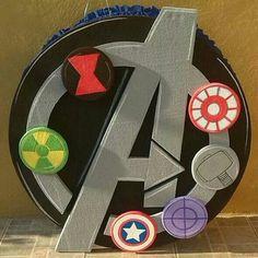 Piñata de los Avengers