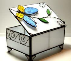 Шкатулка для драгоценностей - витражное стекло.