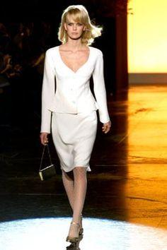 Valentino Spring 2002 Couture Fashion Show - Valentino Garavani, Dewi Driegen