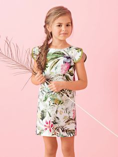 Платье с вырезом лодочкой