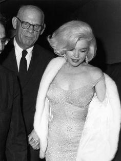 Robe de soirée portée par Monroe lors de lanniversaire de Kennedy conçue par Jean Louis