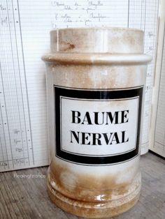 FleaingFrance Brocante Society Antique Pharmacy Jar w/great Patina