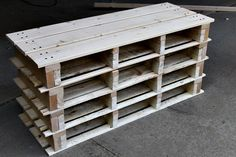 Shoe Storage Bench from Pallets Awesome Shoe Storage Bench Made from Pallets