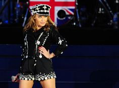 The Diamond Jubilee Concert    Kylie Minogue on stage outside Buckingham Palace during the Diamond  Jubilee Concert, London, 4 June 2012.© Press Association