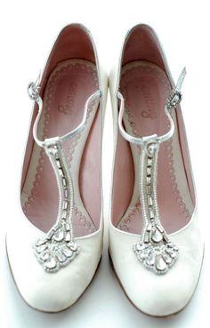 Matrimonio a tema ruggenti anni Venti: scarpe stile anni 20 #roaringtwenties #vintagewedding #matrimoniolowcost Roaring twenties wedding ideas: vintage shoes