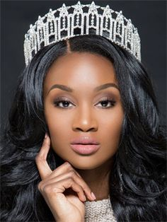 Congratulations to the 2016 Miss USA, Deshauna Barber of Washington, District of Columbia. 👑 She is a Army officer and IT analyst for the U. Pageant Makeup, Beauty Pageant, Miss Usa, Rob And Chyna, Afro, Hair Direct, Black Chyna, Pageant Girls, Fc B