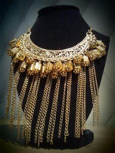 """Espectacular """"Maxi Collar"""" Dorado De Inspiración Medieval, de MibolsoMivida.com."""