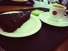 Torta mousse de chocolate amargo do Viena.. #coffe #gourmet #hobbies