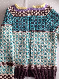 Wiola Fair Isle Knitting, Hand Knitting, Knitting Patterns, Norwegian Knitting, Knit Cardigan, Knit Crochet, Sweaters For Women, Fair Isles, Clothes
