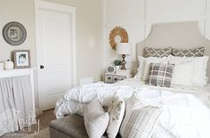 Neutral Fall decorating ideas and decor. Neutral and white bedroom decor