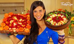 Watch here and find out what I eat in a day on a low fat raw vegan diet. This is my FullyRaw lifestyle! What I Ate Today: Pre-breakfast: 32 oz. Raw Vegan Recipes, Vegan Foods, Vegan Vegetarian, Healthy Recipes, Vegan Meals, Vegetarian Recipes, Eating Raw, Healthy Eating, Healthy Food