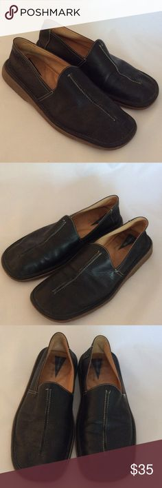 Men's Sz 8 Bacco Bucci Leather Slip Ons EXCELLENT Men's size 8 soft leather slip ons, indoor shoes-never worn outside. Rubber soles. Probably the most comfortable shoe you'll ever have. Excellent condition. Retail was about $150. Bacco Bucci Shoes Loafers & Slip-Ons