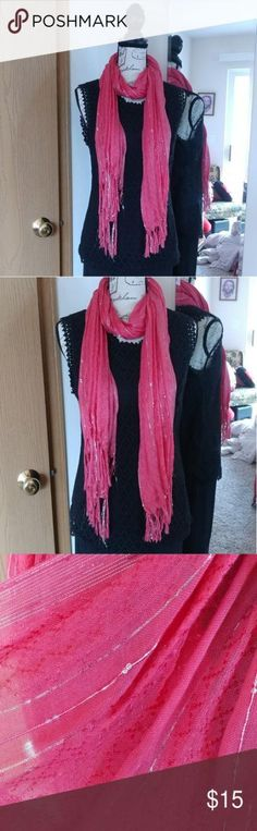New how to wear pink scarfs casual Ideas Pink Scarves, How To Wear Scarves, Modest Dresses, Fall Dresses, How To Wear White Jeans, Blush Gown, Outdoor Wear, Pink Jeans, Casual Jeans