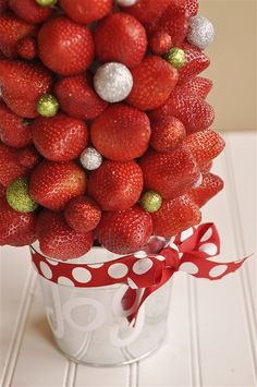 Holiday Centerpiece with Strawberries