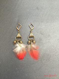 """Boucles d'oreilles plume bronze gris et rouge """"KaLa"""" : Boucles d'oreille par mes3perles"""