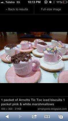 Kiddie cupa tea!