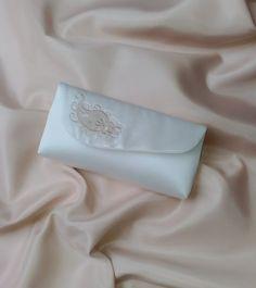 """Brauttaschen - Brauttasche """"Paisley"""" bestickt ivory - ein Designerstück von Leaena bei DaWanda"""