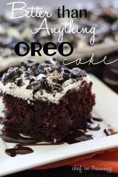 Better than Anything Oreo Cake! An oreo chocolate poke cake. This is the perfect cake for all the chocolate-lovers out there! This cake is super impressive and super easy! Just Desserts, Delicious Desserts, Yummy Food, Oreo Desserts, Dessert Healthy, Dessert Food, Poke Cakes, Cupcakes, Cupcake Cakes