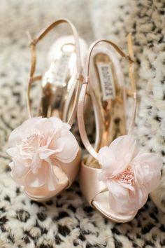 Beautiful wedding shoes - blush rose & gold