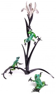 Starlight & Sixpence - 2013 Bronze Show Frogs by Frogman, Tim Cotterill. Available from Artworx Gallery www.artworx.co.uk
