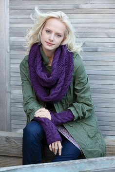 Free knitting pattern - Infinity Trinity Cowl and Wristers by Sandy Harris in Stitch Nation Alpaca Love (discontinued) Knitting Patterns Free, Free Knitting, Scarf Patterns, Finger Knitting, Knitting Machine, Knitting Ideas, Crochet Scarves, Knit Crochet, Knitting Scarves