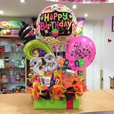 ¡Feliz cumpleaños, Laura! #joliandgift ✨💓 Birthday Surprise For Mom, Birthday Surprises For Her, Birthday Party For Teens, Birthday Candy, Surprise Box, Birthday Cake For Mom, Birthday Diy, Birthday Balloons, Husband Birthday