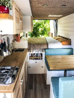 Outstanding 19 DIY Camper Van Remodel Inspirations https://fancydecors.co/2018/12/14/19-diy-camper-van-remodel-inspirations/ Epoxy, so long as it is guarded from sunlight, is both robust and flexible. Vivre Dans Un Van, Ford Transit Conversion, Van Conversion Tips, Van Conversion With Bathroom, Van Conversions Ideas, Camper Van Conversion Diy, Sprinter Van Conversion, Motorhome Conversions, Rv Life