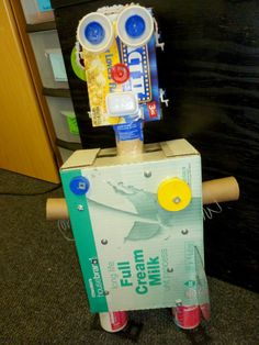 Reduce, Reuse, Recycle: Reusing trash to create robots in first grade. Great lesson for teaching how to lessen our impact on the environment!