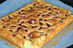 Prajitura cu iaurt si capsuni | MiremircMiremirc Pie, Desserts, Food, Torte, Tailgate Desserts, Cake, Deserts, Fruit Cakes, Essen