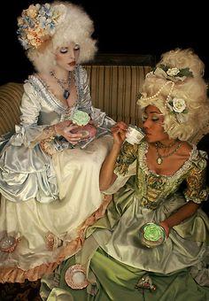 Marie Arden Pink Living: 258 years ago today Marie Antoinette was born Rococo Fashion, Lolita Fashion, Marie Antoinette, Mode Rococo, Rococo Style, Luis Xvi, 18th Century Fashion, 19th Century, Estilo Retro
