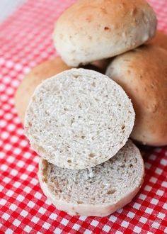 Receta de panecillos de avena - 2 Bread Slices Healthy Bread Recipes, No Salt Recipes, Healthy Desserts, Real Food Recipes, Healthy Menu, Healthy Pizza, Pizza Recipes, Biscuit Bread, Pan Bread