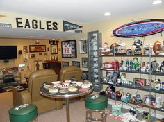 Philadelphia Eagles Man Cave Accessories : Top awesome man cave pictures