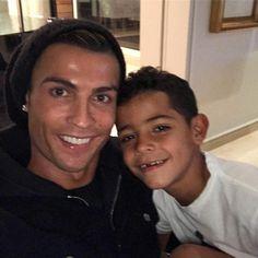 30 Times Cristiano Ronaldo and His Son, Cristiano Jr., Were Total Twins Cristiano Ronaldo Cr7, Cr7 Messi, Cristino Ronaldo, Ballon D'or, Joueurs Real Madrid, Football Neymar, Manchester United, Cr7 Jr, Iker Casillas