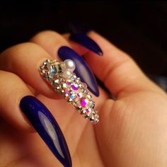 The nails are treated like the most delicate and important part of their entire body. Cute Summer Nail Designs, Colorful Nail Designs, Beautiful Nail Designs, Nail Art Designs, Bling Acrylic Nails, Stiletto Nail Art, Bling Nails, Nail Nail, Glitter Nails
